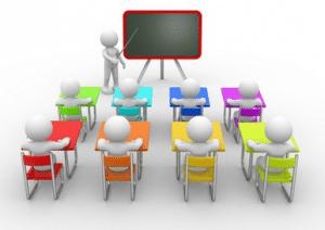 personnages dans une salle de réunion écoutant un intervenant, pour illustrer la formation, retombées éventuelle de l'entretien profesionnel